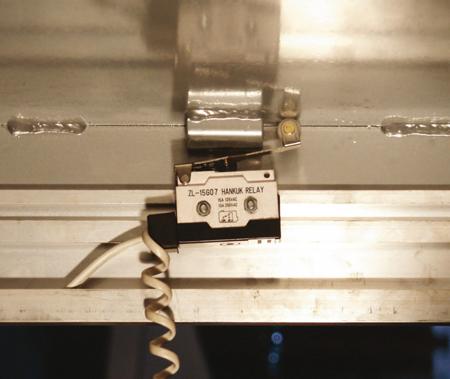 Stół podnośny elektryczny (wymiary platformy: 850x1300mm, udźwig: 2000 kg, wysokość podnoszenia min/max: 230-1000 mm) 3109773
