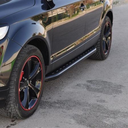 Stopnie boczne, czarne - Dodge RAM 1500 2009-2015 (długość: 205-220 cm) 01655999