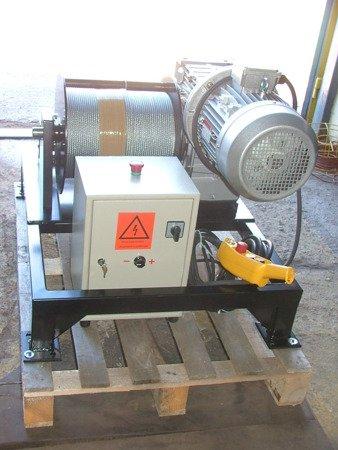 Tretos 28870718 Elektryczna wciągarka z liną o średnicy 10mm (długość liny: 50m, siła uciągu: 1650/1900 kg, moc: 5,5kW 400V)